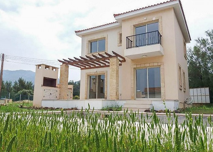 Detached Villa For Sale  in  Pomos