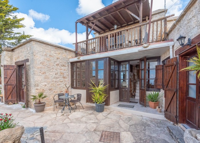Detached Villa For Sale  in  Inia